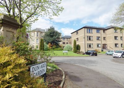 NOW LET – 2 Bedroom flat in a beautiful modern landscaped development