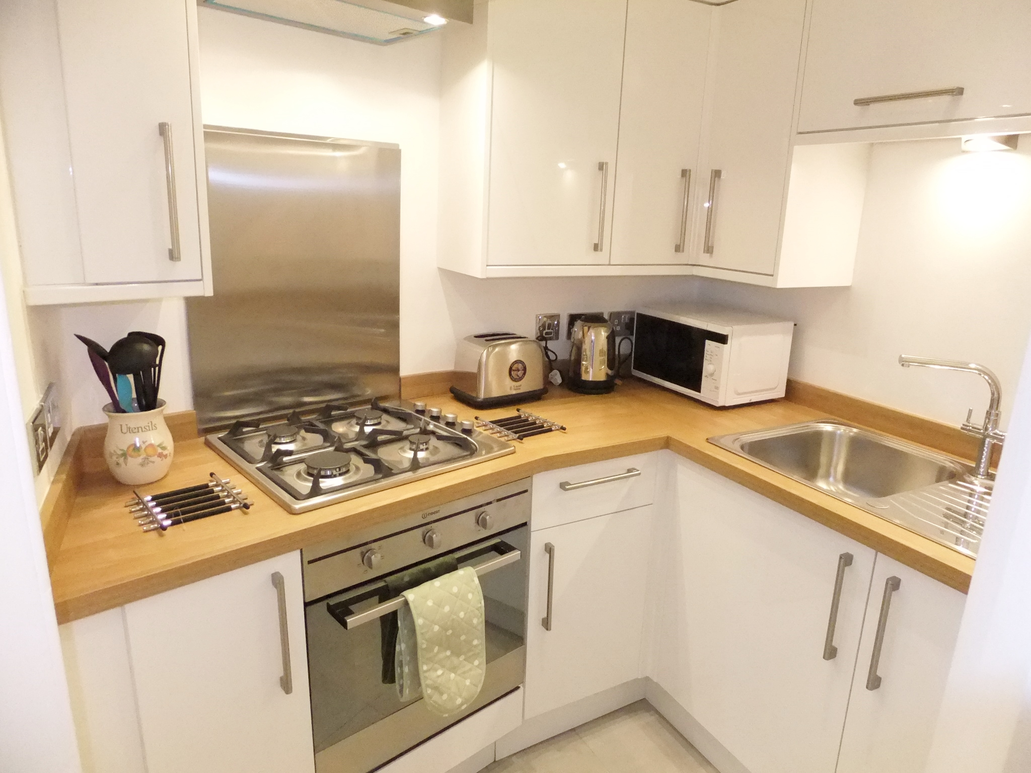 Comely Bank Row 3 f1 Kitchen 4