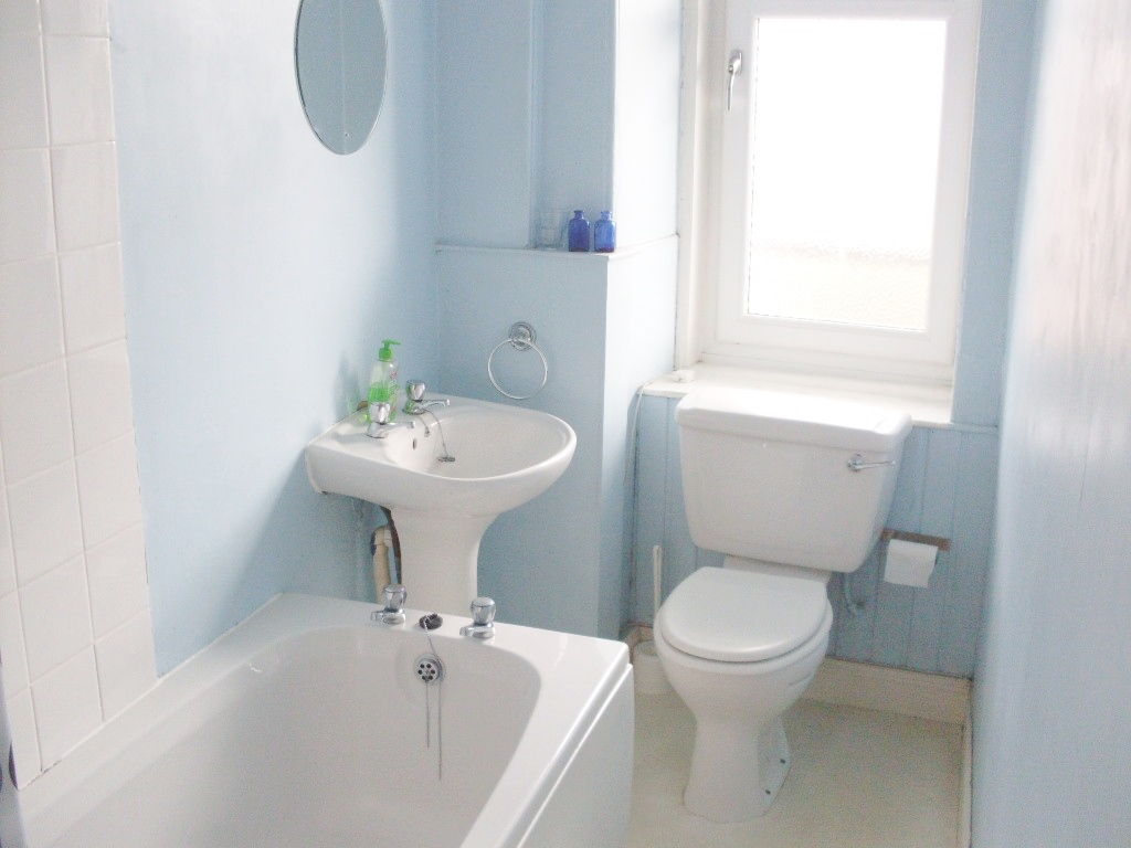 Roseburn Street 26 3f2 Bathroom