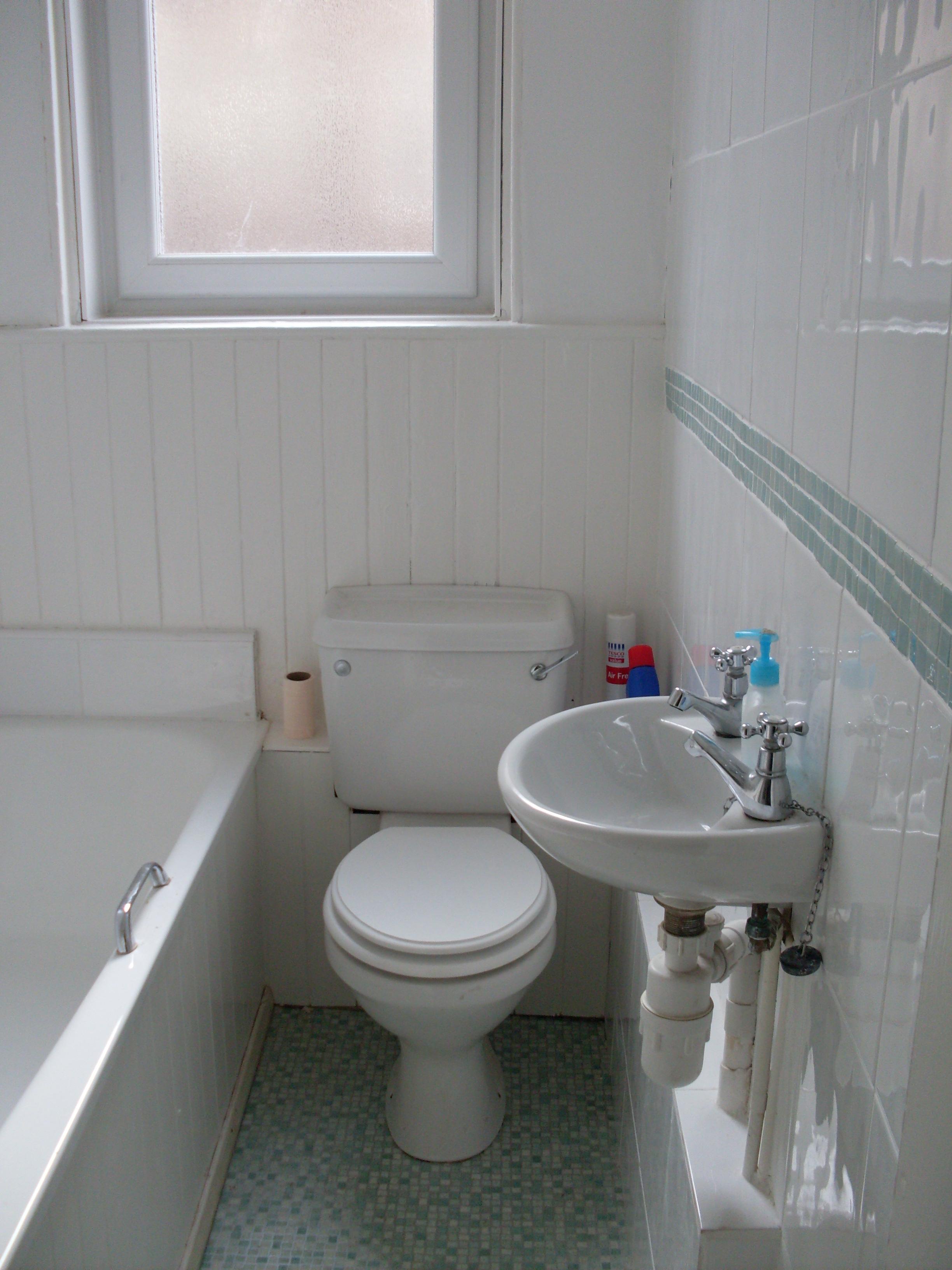 Lochrin Place 16 1f2 Bathroom