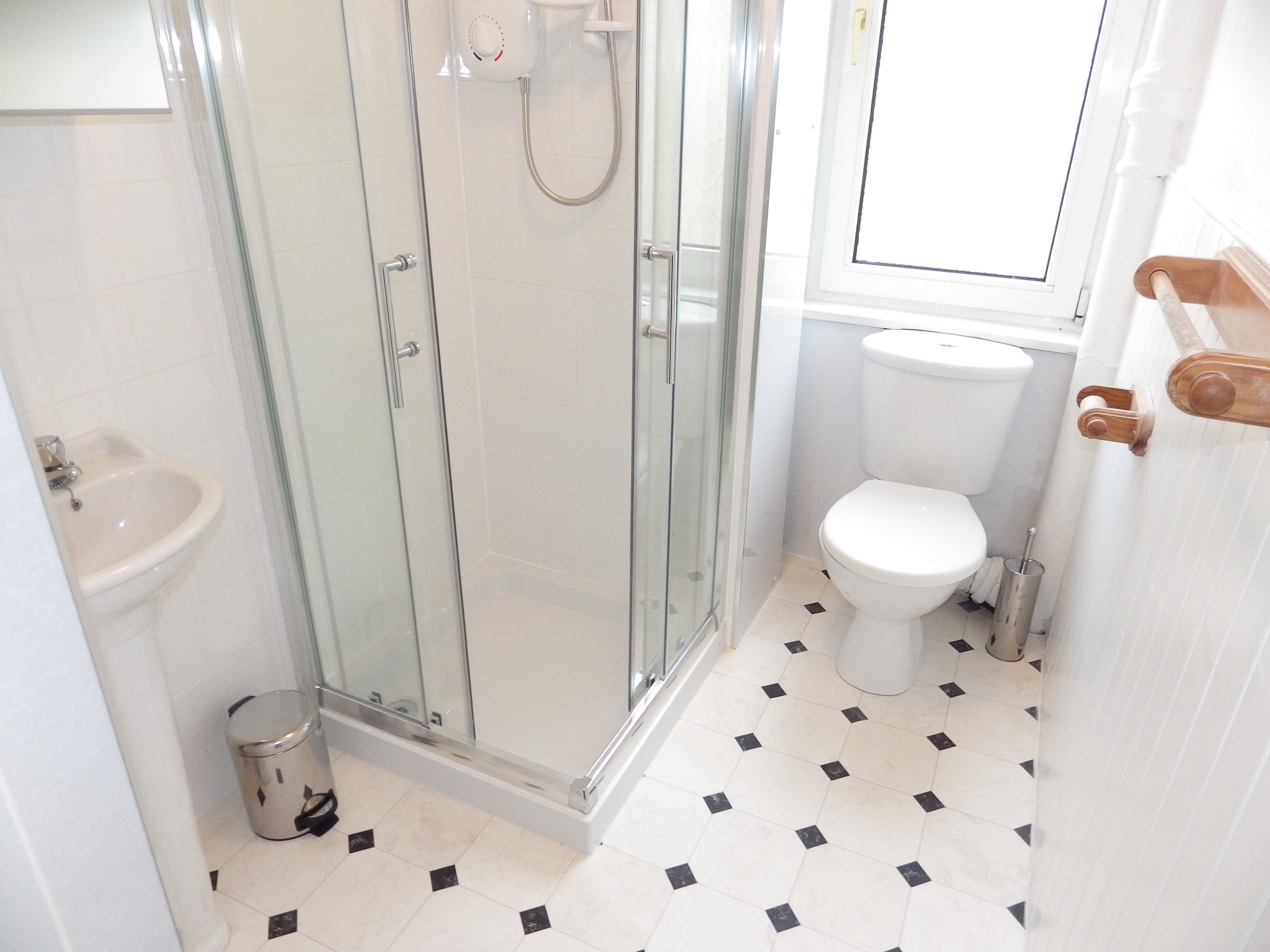 Wardlaw Street 20 2f3 Shower Room 3
