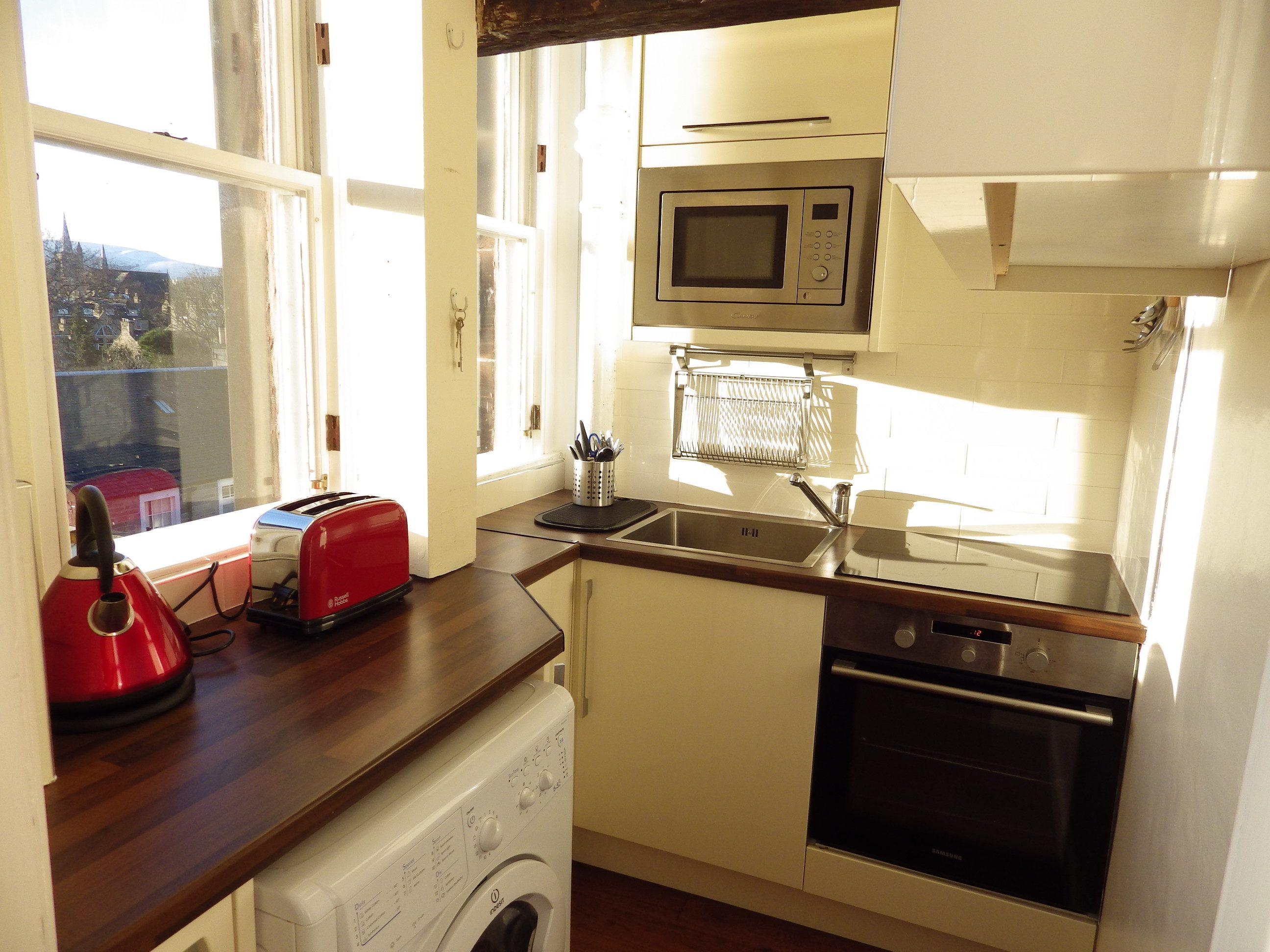 Jordan Lane 22 f11 Kitchen 3